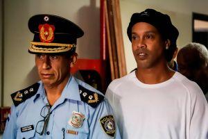 A marchas forzadas: Abogados trabajan para que Ronaldinho sea liberado en agosto
