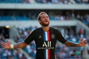 El público regresó a los estadios de fútbol de Francia y vio el regreso de Neymar