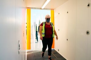 "Hospital de Las Vegas instala la primera ""cabina desinfectante de COVID-19"""