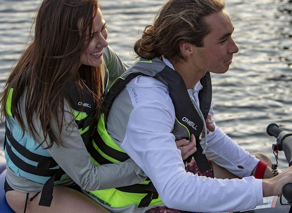 Los 4 mejores chalecos salvavidas para disfrutar del verano con seguridad
