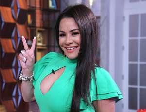 Las alocadas pelucas de Carolina Sandoval con las que reina en las redes sociales