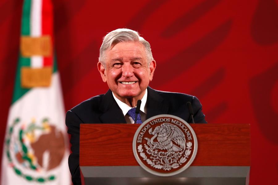 Se pagará por terrenos en Santa Lucía si demandante acredita propiedad: AMLO