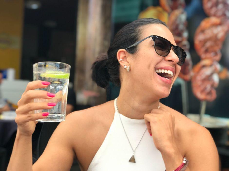 Por qué beber agua te ayuda a perder peso