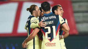 Con un partido horrendo, el América gana 2-1 a Pachuca en su debut