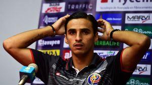 El costarricense Bryan Ruiz rescinde su contrato con el Santos brasileño