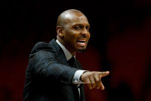 Primos llegan a los balazos por discutir sobre una exestrella de la NBA y actual entrenador colegial