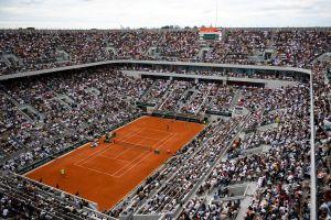 El torneo de tenis Roland Garros en Francia desafía al coronavirus y se jugará con público en las tribunas