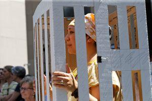 Denuncian avance de plan de ICE de construir cárcel privada para inmigrantes cerca de Chicago