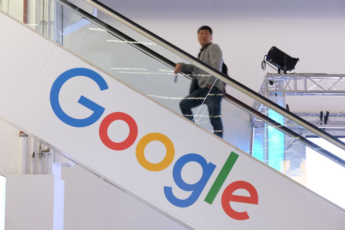 Google puso en marcha el programa para ayudar a las personas que requieren nuevas habilidades digitales.