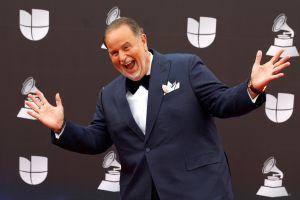 No sólo Adamari López, Raúl de Molina también se reta con sus ejercicios diarios