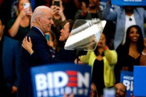 ¿Será Kamala Harris la compañera de fórmula de Biden y posible vicepresidenta?