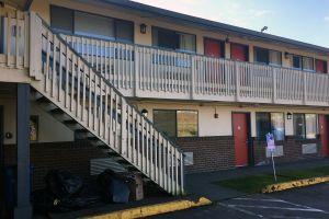 Evacuan hotel de California porque un huésped estaba haciendo bombas caseras