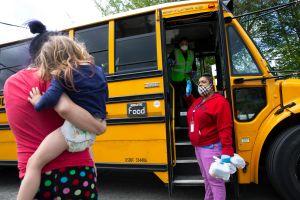 Gavin Newsom anunció presupuesto de más de $6 mil millones de dólares para traer de vuelta la educación presencial en abril