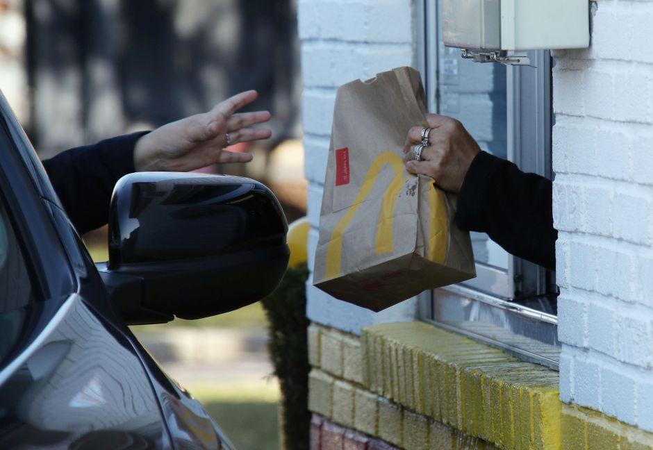 McDonald's cierra 200 restaurantes en Estados Unidos, la mayoría están localizados al interior de las tiendas Walmart