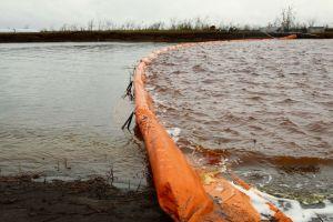 Autoridades declaran emergencia por nuevo derrame de combustible en Círculo Polar Ártico
