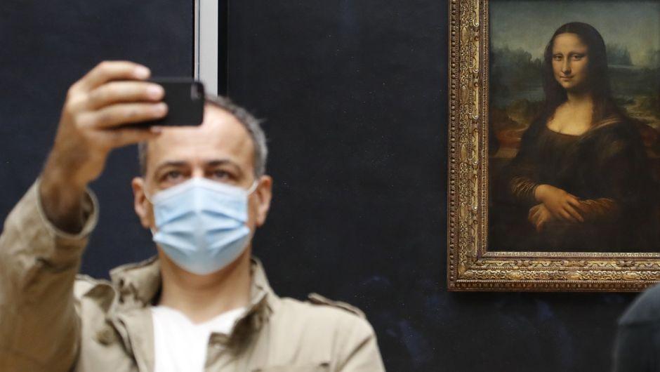 ¿El coronavirus puede permanecer en el aire? Un grupo de 239 científicos responde