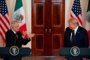 El béisbol los une: Presidentes Donald Trump y Andrés Manuel López Obrador se regalan bates