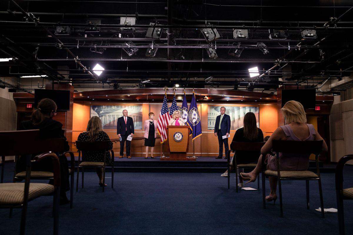El beneficio por desempleo es uno de los temas más espinosos que se discutirán en el Senado.