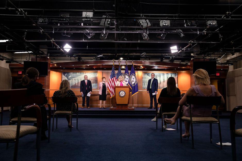 Los republicanos consideran reducir el beneficio por desempleo a $100 dólares semanales y extenderlo hasta diciembre