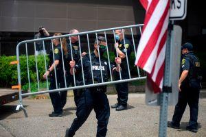 Agentes de EE.UU. entran al consulado chino en Houston después de la hora límite para su cierre