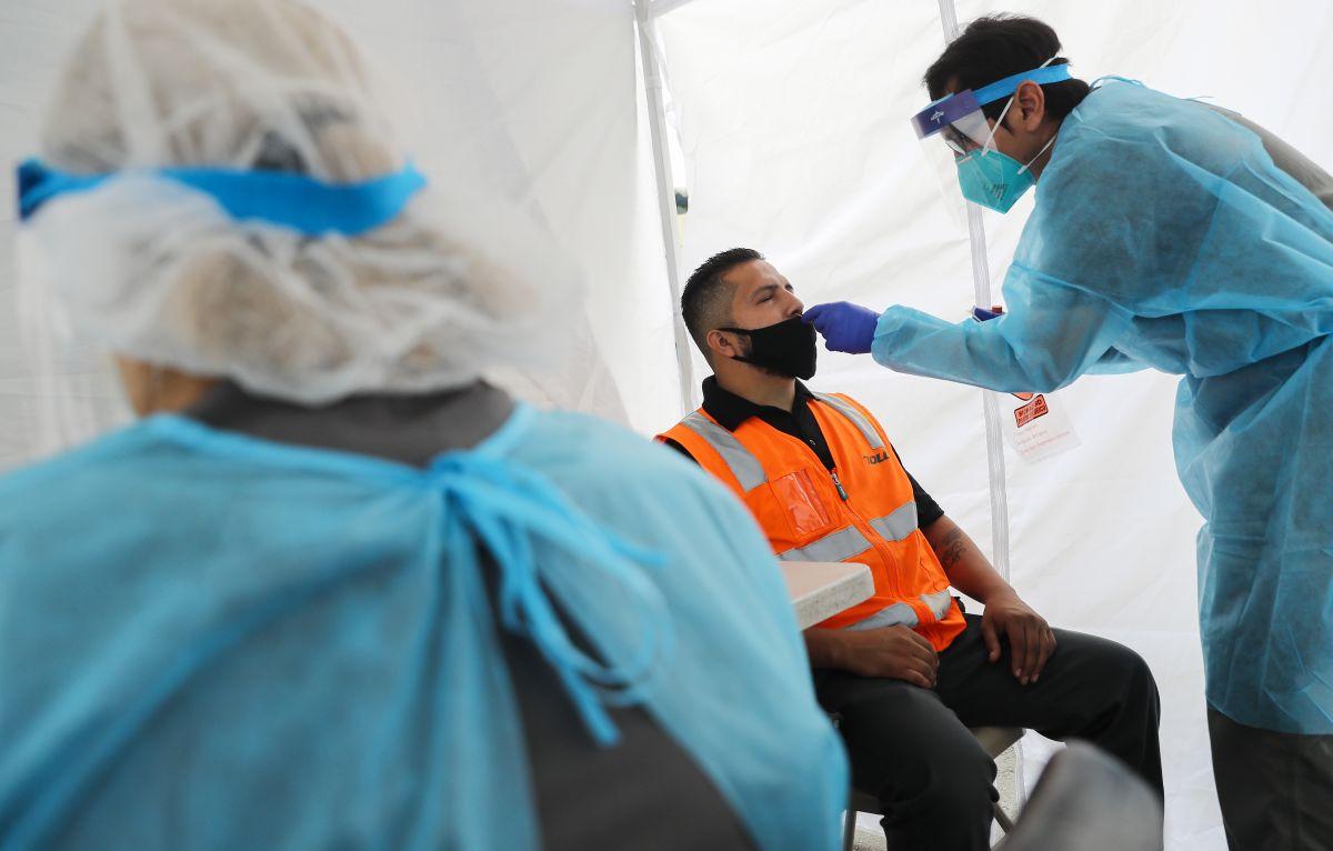 Estados Unidos tiene un nuevo récord con 75,000 casos nuevos de coronavirus