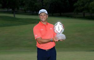 Golfista hispano se convierte en el número 1 del mundo