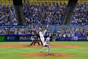 Gobernador cree que Dodgers y los demás equipos de Ligas Mayores en California podrán recibir a fans en abril