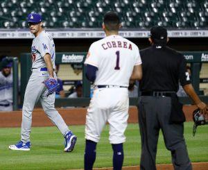 """Ligas Mayores sanciona a Joe Kelly, el """"barbero"""" de los Dodgers, con 8 juegos de suspensión"""