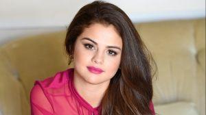 Espectacular: así luce Selena Gomez en sexy bikini azul