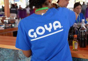 CEO de Goya no se va a disculpar por apoyar a Trump; dice que antes se alió con Barack Obama y Michelle