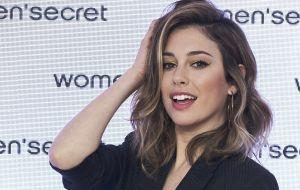 Una de las Chicas del Cable, Blanca Suárez, se quitó el sostén del bikini y así posó en Instagram