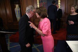 Demócratas liderados por Nancy Pelosi no darán brazo a torcer en extensión de $600 semanales por desempleo
