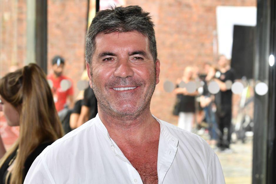 Simon Cowell sufre grave accidente y se rompe la espalda