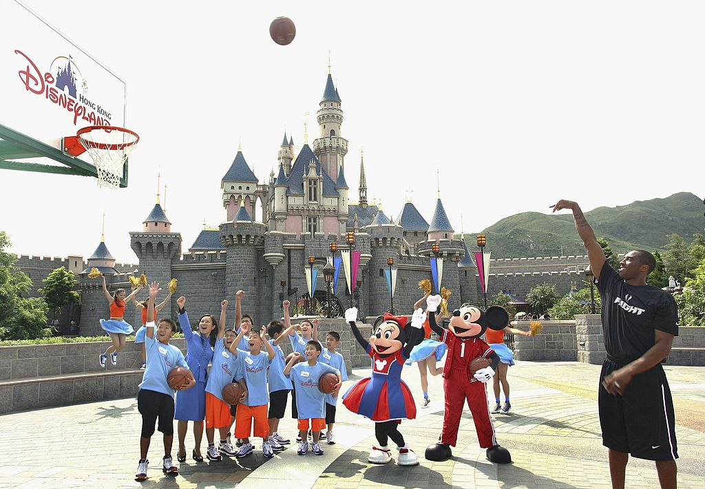 VIDEO: Así se transforman los salones de los hoteles de Disney World en canchas de entrenamiento de la NBA