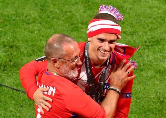 Antoine Griezmann con su padre en su etapa con el Atlético de Madrid.