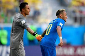 Cracks de los malabares: Keylor Navas y Neymar mostraron un talento poco conocido