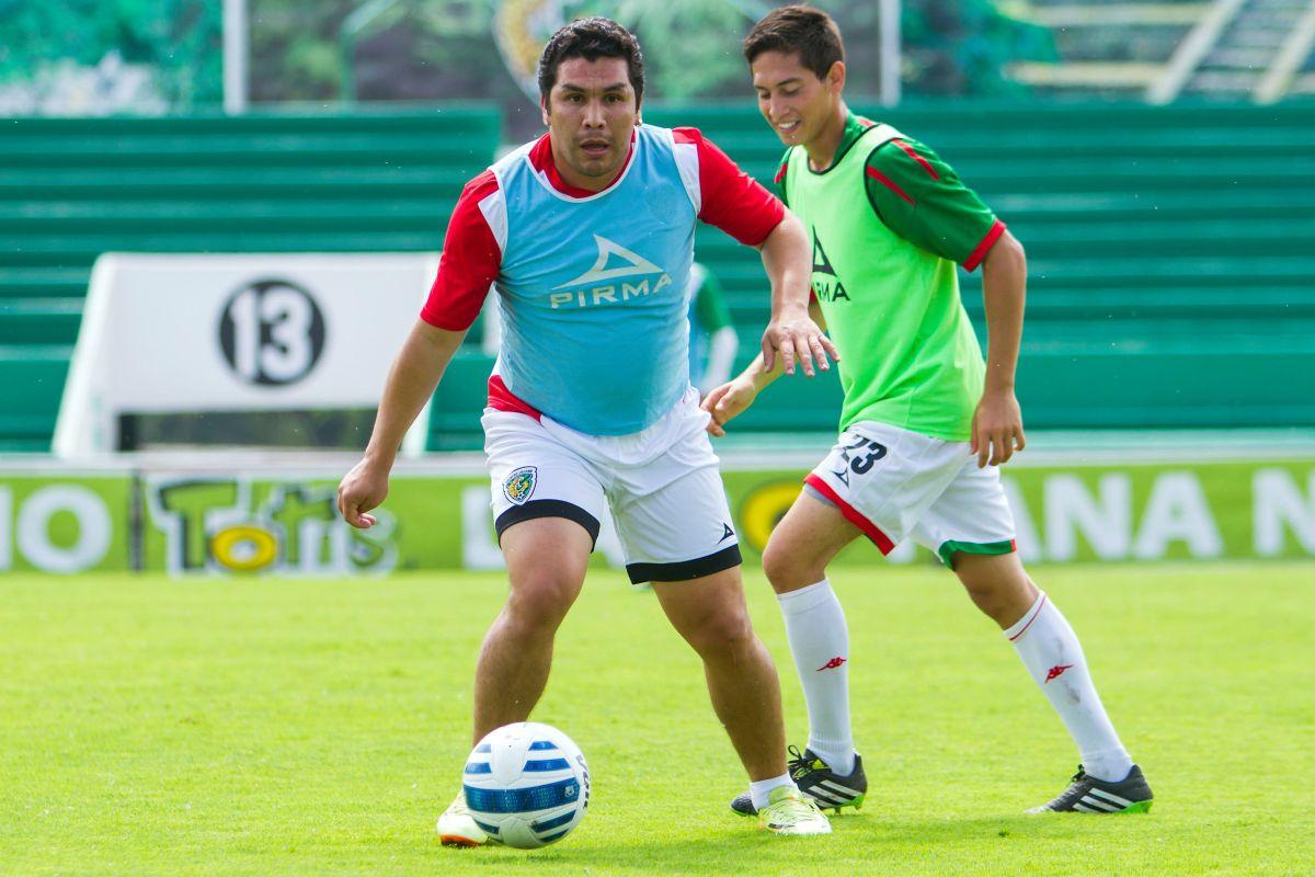 Salvador Cabañas recibe alta médica y dice que le gustaría jugar un partido en el Estadio Azteca