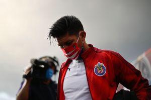 Oribe Peralta no salió ni a la banca con Chivas por problemas de salud