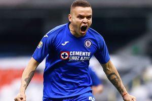 ¡Ojo Cruz Azul! PSV quiere llevarse a 'Cabecita' Rodríguez