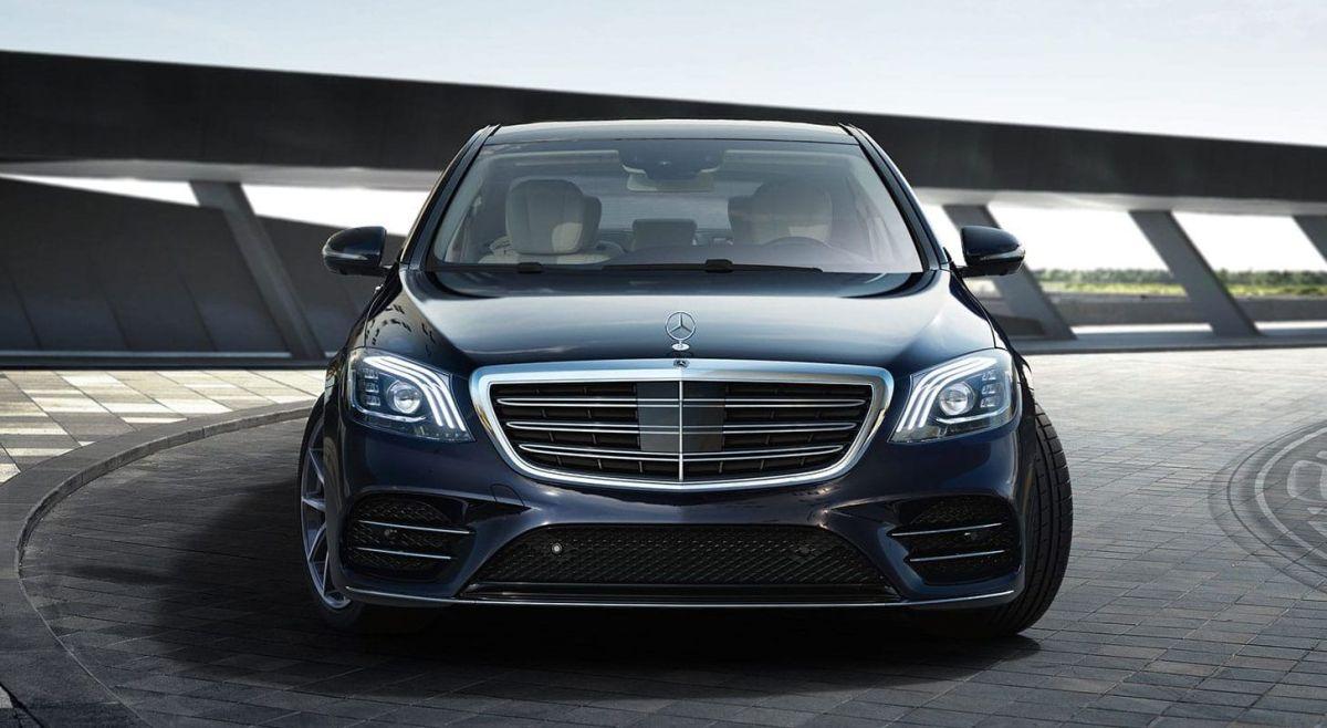 El Mercedes-Benz Clase S se convierte en el primer auto con bolsas de aire para los pasajeros de la parte trasera