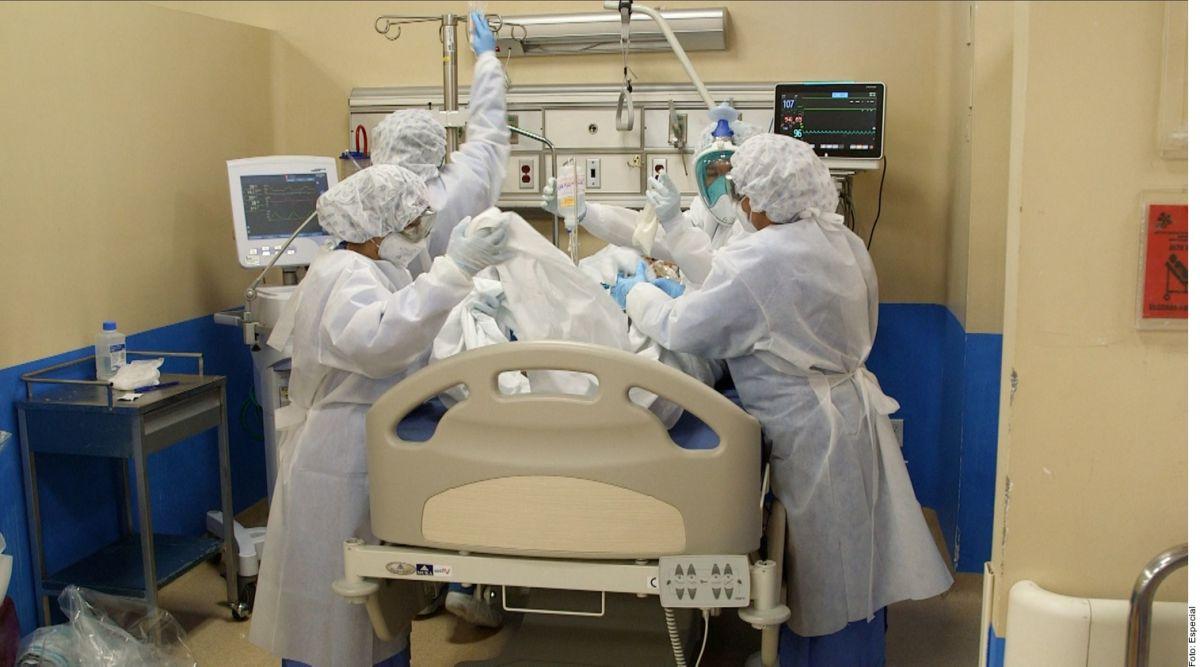 La experta aseguró que es crucial que los pacientes entiendan que, aunque parezca agresiva, la intubación es una terapia necesaria.