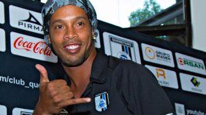 Ronaldinho manda felicitación al Querétaro desde su prisión domiciliaria