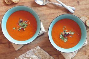 Sopa de aguacate y tomate: ideal para cuidar el peso, la piel, músculos y corazón