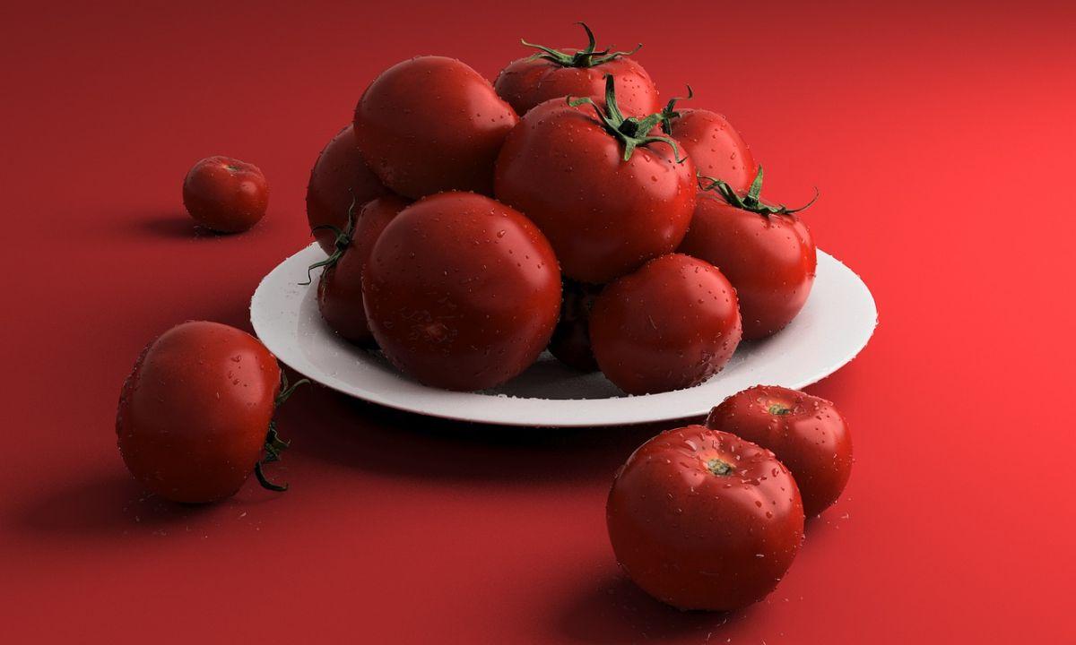 ¿Tienes demasiados tomates maduros? Prepara puré de tomate casero para conservar