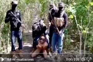 VIDEO: Caen siete policías relacionados con sanguinarios narcos que descabezaba a víctimas