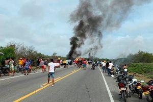 El momento exacto en el que una pipa de gasolina explota mientras decenas de personas robaban el combustible