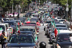 Mexicanos se manifiestan contra AMLO en sus automóviles durante pandemia de COVID-19