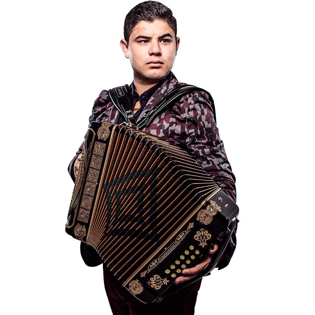 El artista aseguró que nunca dejará el acordeón, el instrumento que lo hizo famoso. Foto: Universal Music