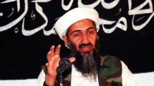 FBI: mujer de EE.UU. ofreció dinero a terroristas de AlQaeda; detenida antes de vuelo internacional