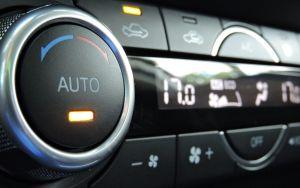 Qué gasta más gasolina en tu auto: tener las ventanillas abiertas o usar el aire acondicionado